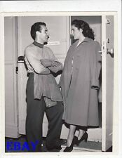 Ricardo Montalban visits Elizabeth Taylor VINTAGE Photo A Date With Judy