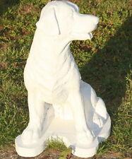 Statue chien, labrador assis en pierre reconstituée, ton pierre blanche