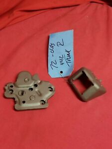 1972 OLDSMOBILE CUTLASS 442 TRUNK LATCH ASSEMBLY USED