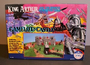 MISB Vintage King Arthur Knights of the Round Table Camelot Castle Rare Playset