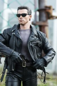 🔥HOT TOYS DX10 TERMINATOR 2 JUDGEMENT DAY🔥 Sideshow Collectibles Neca