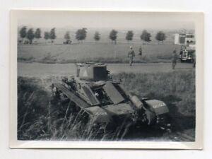 Foto Lorettohöhe Frankreich  zerstörter Tank Panzer WW2