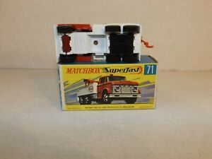 MATCHBOX TRANS. S/F NO.71-A FORD HEAVY WRECK TRUCK RED/WHITE,RARE RED AXLE COVER