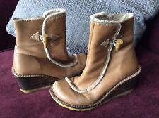 🦋 Rare Vintage 90's KICKERS Tan Wedge Leather Boots 🦋