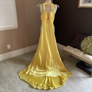 FLASH MAC DUGGAL HALTER GOWN  COLOR: LEMON  SIZE: 2 NWT Prom Special Occasion