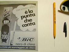 Penna BIC arancione anni 70 2 PZ.nero,rosso di china fine con cappuccio chiuso.