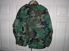 VINTAGE M-65 MILITARY SURPLUS US FIELD JACKET - SIZE M - CAMO