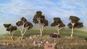 AUSTRALIAN MODEL GUM TREES  HO  OO  Lot 208