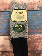 NEW IN PACKAGE ST JOHNS BAY SOCKS SIZE 10-13 Wick A Way