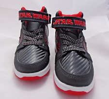 Star Wars Size  7  Toddler Boys Light Up High Top Sneakers