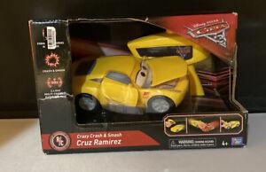 Disney Cars 3 Crazy Crash & Smash CRUZ RAMIREZ Remote Control Car NEW