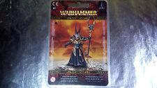 * 83-33 Warhammer Fantasy Battles Warriors of Chaos Sorcerer Lord