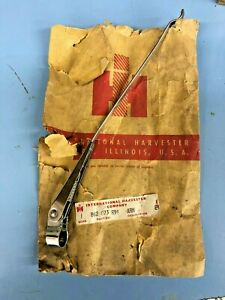 INTERNATIONAL SCOUT 80/SCOUT 800 LH/DRIVER SIDE WINDSHIELD WIPER ARM NOS