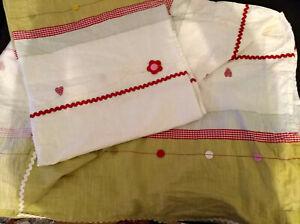 2 Gardinenschals - IKEA Fabler Bard - grün Blume Herz rot rosa bunt - Kind