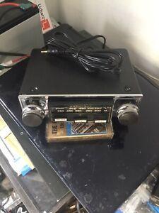 Vintage Upgraded Motorola  122 Classic Car Radio + iPod/mp3 lead
