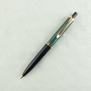 Pelikan Kugelschreiber K400 grün gestreift, W.- GERMANY