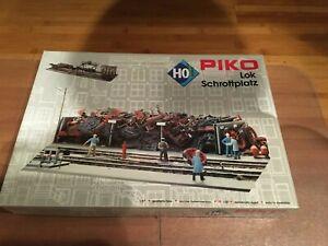 NIB #61103 PIKO CLASSIC LINE LOCOMOTIVE SCRAP YARD, BUILDING KIT (HO-SCALE)