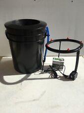 "Aeroponic DWC Bubbler Bucket - Aero-Hydroponics Growing System 8"" Net Cup Lid"