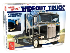 AMT1158 AMT Hideout Transporter Kenworth (Tyrone Malone) 1:25 Scale Model Kit