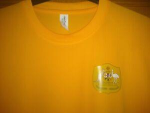 Australia Socceroos Football training top/shirt/tshirt Gold Size Large Adults