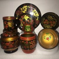 TRADITIONAL 1970'S HAND PAINTED RUSSIAN LAQUER BOWLS, CUPS, JAR & LID,  PLATE.