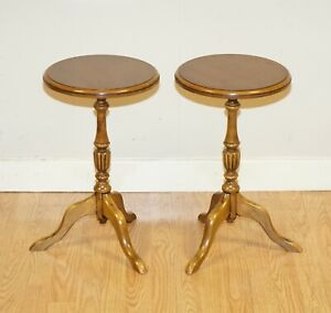 A PAIR OF VICTORIAN SIDE TABLES/WINE TABES ON ELEGANT TRIPOD LEGS