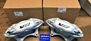 04-07 Cadillac CTS-V Brembo 4 Piston Front Calipers 89047726 89047727