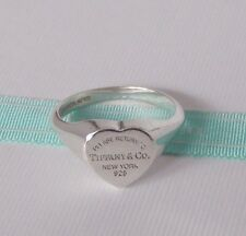 Tiffany & Co Size 8 Silver Return to Tiffany Heart Signet Ring Band w Pouch