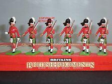 Britains 7245 GORDON HIGHLANDERS UFFICIALE + Uomini Marciare giocattolo Soldato Figure Set