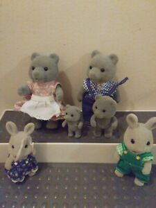 SYLVANIAN FAMILY/CALICO CRITTER Lot of 6 MAPLE TOWN VINTAGE EVERGREEN GREY BEAR