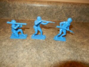 3 Remco Hamilton Invaders blue soldiers