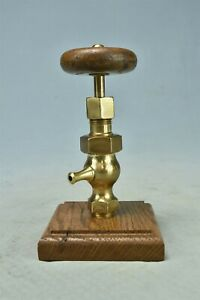 Antique WILLIAMS VALVE CO POLISHED BRASS RADIATOR VALVE NO 0 WOOD HANDLE #02297