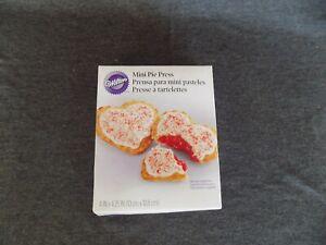 Wilton Heart Pocket Baking Mold Mini Filled Stuffed Snack Pie Press #2103-1107