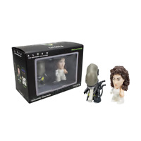 Alien Ripley & Xenomorph Exclusive 2 Pack Figures Titans Collectable - Boxed NEW