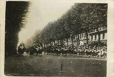 PHOTO ANCIENNE-VINTAGE SNAPSHOT-MILITAIRE DÉFILÉ 14 JUILLET 1945 PARIS MAROCAINS