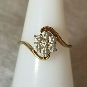14K Yellow Gold CZ Flower Ring Size 6.75