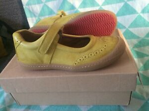 BISGAARD Yellow Leather Girls Mary Jane Shoes Size 32 Brogue