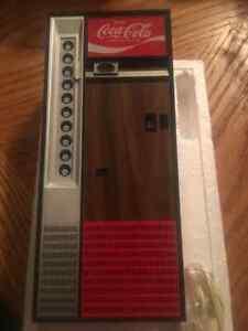 VINTAGE Coca Cola P50 AM/FM/AFC Transistor Radio NIB