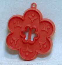 Hallmark Vintage Plastic Cookie Cutter - Petite Flower Open Center 60's Bouquet