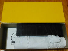 Accurail HO #4400 (40' wd OB box w/stl end) Undec.