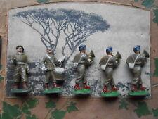 Quiralu armée  métropolitaine calot bleu foncé au defilé, fanfare, musiciens