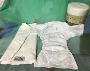 PEA PODS ONE SIZE NAPPY AND LINER PLUS 100 BAMBOO LINERS NWT