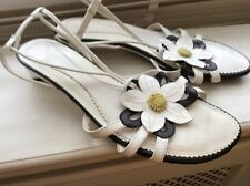 LadiesClarks Shoes White Leather Low Wedges Strappy  Flower Sandal Shoes Size5UK