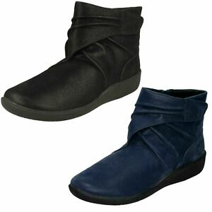 LADIES CLOUDSTEPPERS CLARKS SILLIAN TANA LIGHTWEIGHT ZIP RUCHED ANKLE BOOTS SIZE