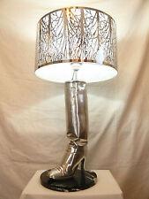 """Lampe-Botte de femme   -  """"Signée""""  -   Métal Aluminium  -   Années 80"""