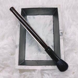 Kevyn Aucoin Beauty Neo Contour / highlighter / eyeshadow blending Brush