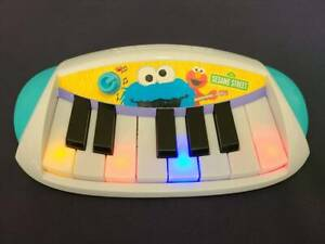 2010 Hasbro Sesame Street ELMO LET'S ROCK White Piano Keyboard Musical Toy WORKS