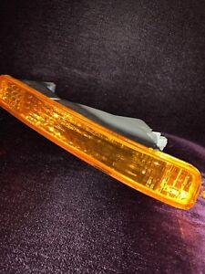 HO2533101C Signal Lamp Assembly Front Passenger Side Fits 1996-1997 Honda Accord