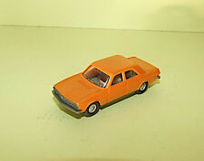 AUDI 100 Orange WIKING 1/87 ho