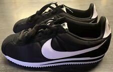 Nike Classic Cortez Nylon Black/White Sneakers 807472-011 US 10.5